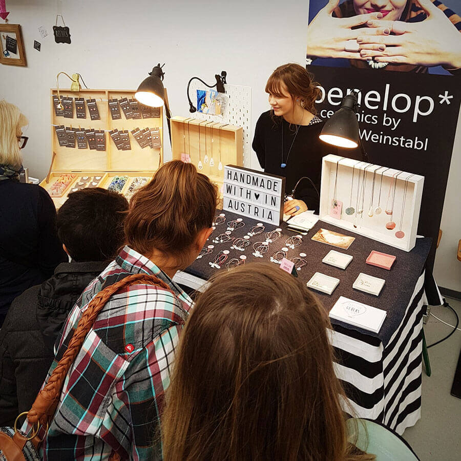 penelop Stand